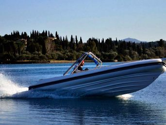 apache-22-speed-boats-hire-in-corfu
