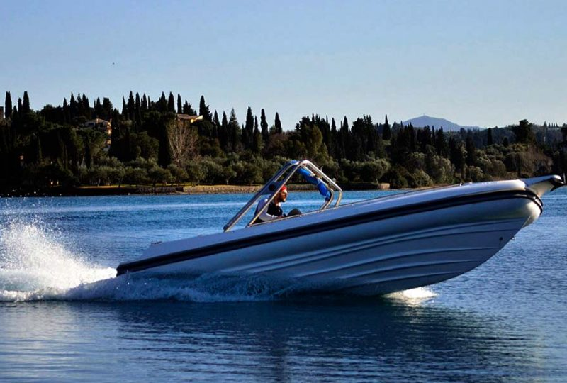 apache-22-speed-boats-hire-in-corfu