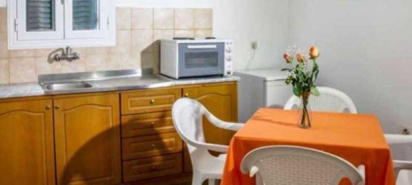 stavros-apartments-family-apartment-kitchen-011-750x440