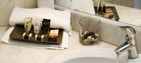 ariti-hotel-double-triple-room-photos