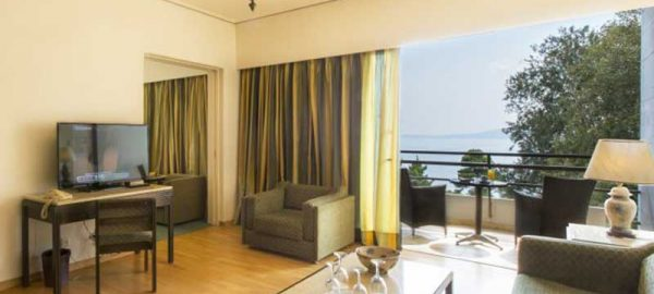 ONE-BEDROOM-SUITE-CORFU-HOLIDAY-PALACE-HOTEL-2-850x450