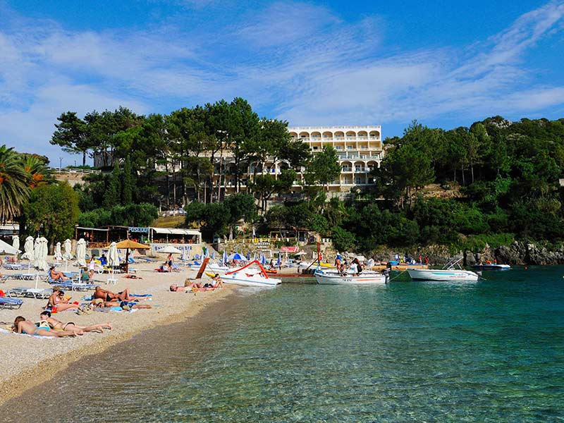 beach-akrotiri-beach-hotel