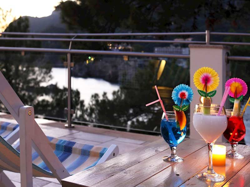 main-bar-akrotiri-beach-hotel-corfu
