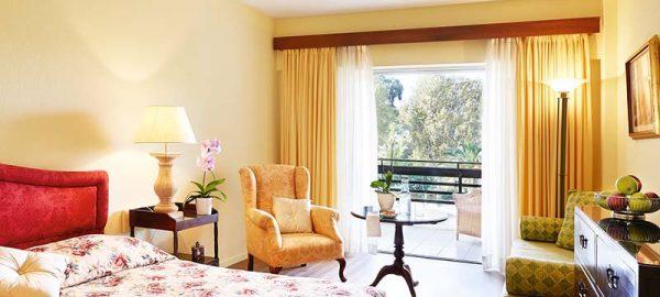 52-Double-Room-Garden-View,-Master-Bedroom_72dpi