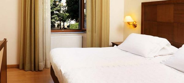 classic-double-or-twin-room-bella-venezia-2