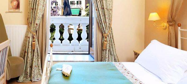 deluxe-double-room-with-balcony-2