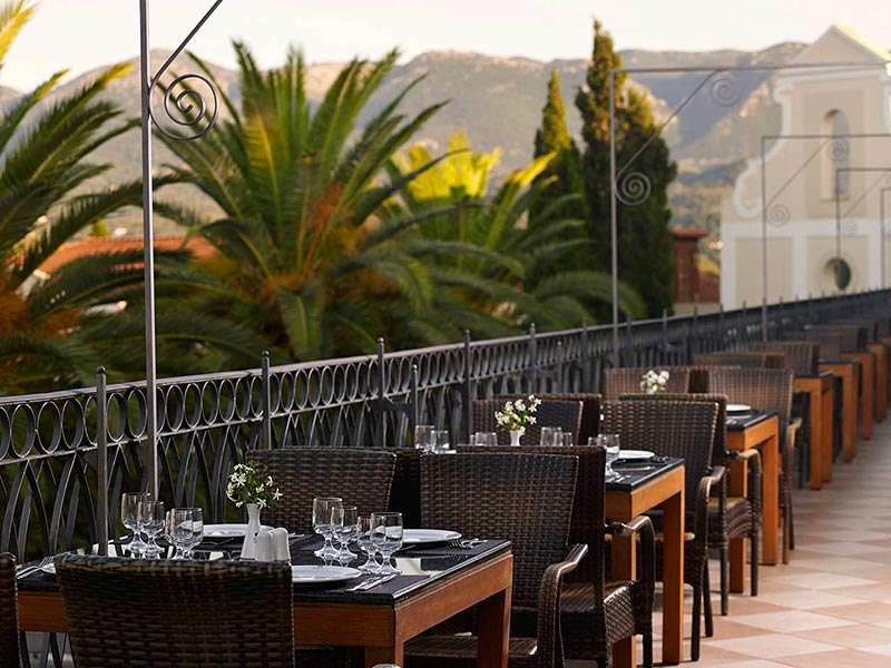 dining-roda-beach-hotel-spa-mitsis-hotels-greece-corfu-10
