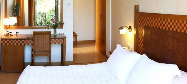 classic-double-or-twin-room-bella-venezia-4
