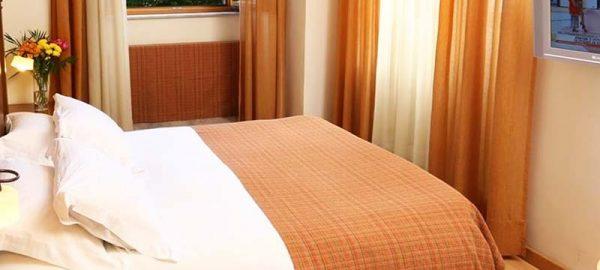classic-double-or-twin-room-bella-venezia-4