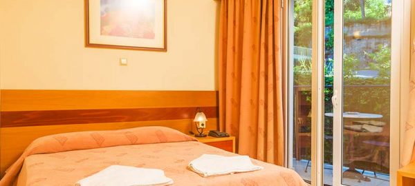 hellinis-hotel-double-room-2