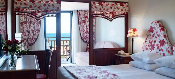 fam-rooms-roda-beach-hotel-spa-mitsis-hotels-greece-corfu-1