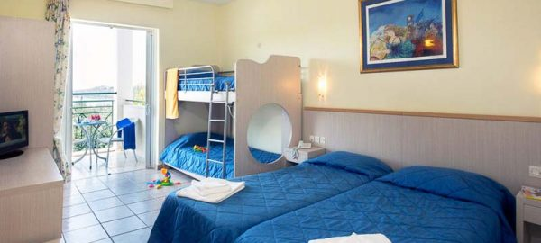 family-room-bunkbeds-2-mare-blue-corfu