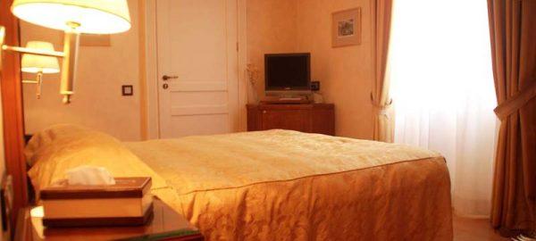 classic-double-room-siorra-vittoria-corfu-3