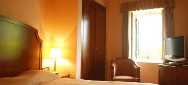 classic-double-room-siorra-vittoria-corfu-4