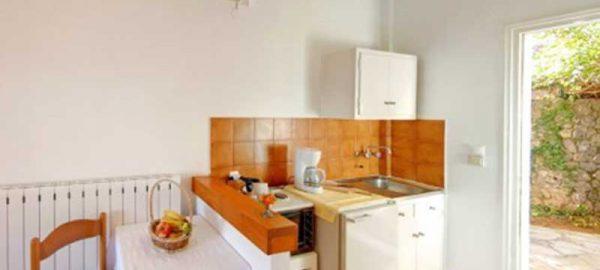 kitchenette-annas-apartments