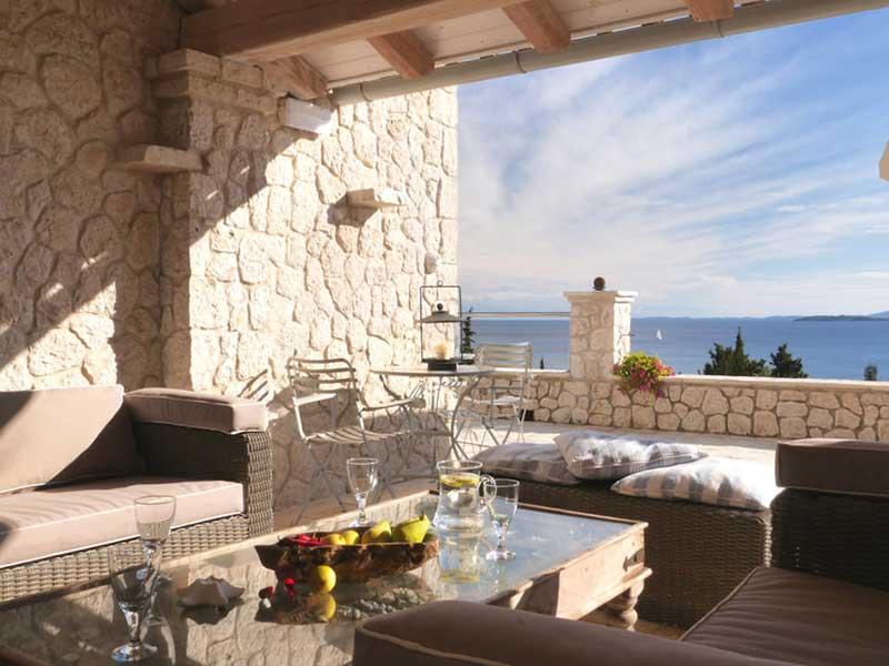 p1080953-2000-terrace_orig