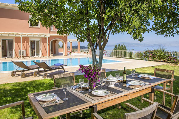 profile-villa-lara-in-corfu
