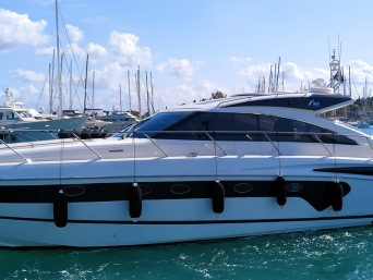 profile-princess-v53-yacht
